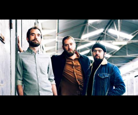 Gunwood : un trio de baladins électriques