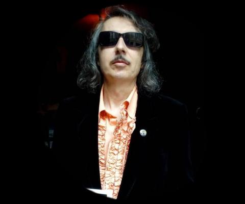 Patrick Scarzello : un dandy, rocker Bordelais, se raconte