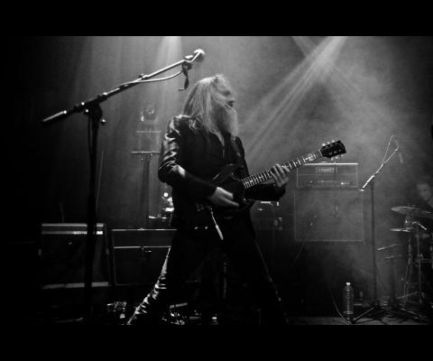 Stéphane Kerihuel : Un guitariste en Republik
